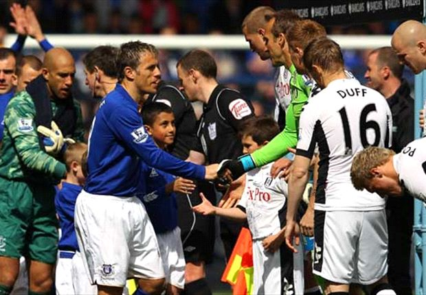 Everton's Phil Neville confirms retirement from football