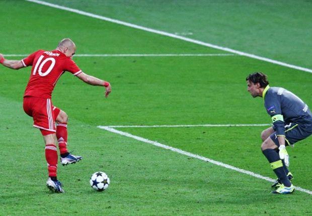 Arjen Robben hizo de todo: erró, asistió y definió el partido sobre el final.