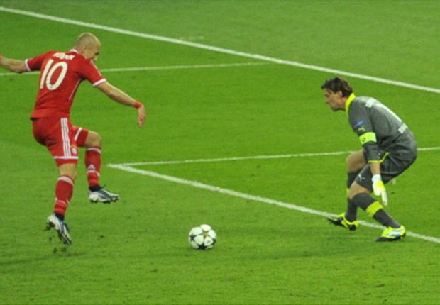 Robben shows composure to beat Roman Weidenfeller and score the winning goal