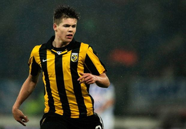 Van Ginkel won't discuss Chelsea move until after Euros
