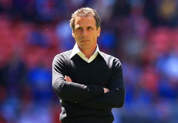 Zola: Italy favourites against fearful England