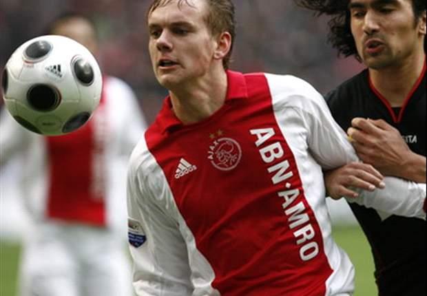 Ajax Starlet Siem De Jong Back In Action