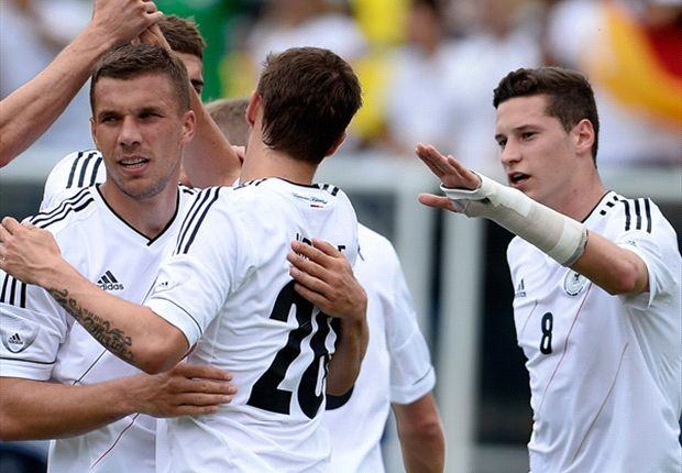 Ecuador 2-4 Germany: Podolski and Bender at the double