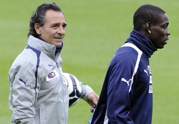 Prandelli has confirmed he will advise Balotelli on his use of Twitter