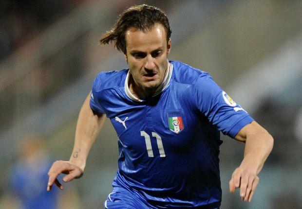 Alberto Gilardino diharapkan bisa menggantikan peran Mario Balotelli