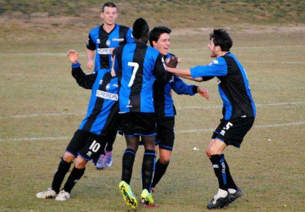 L'esultanza azzurra dopo il goal di Gilardino a San Marino