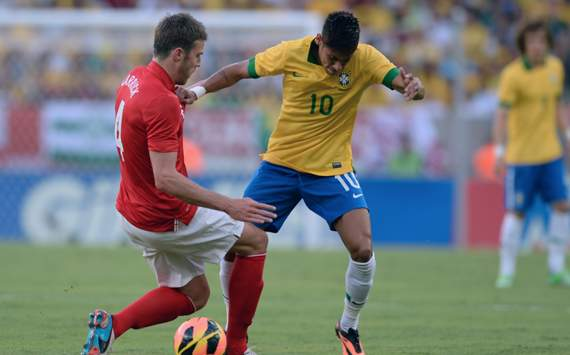 5a7c1b5a3b Amistoso  Brasil 2 x 2 Inglaterra - Goal.com