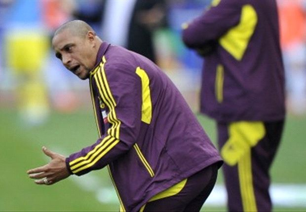 Roberto Carlos hits out at Chelsea striker Eto'o