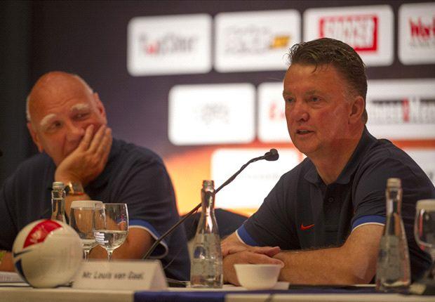Van Gaal ingin jajal persaingan di sepakbola Inggris