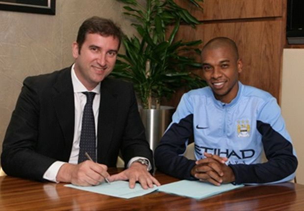 Fernandinho relieved to join Man City