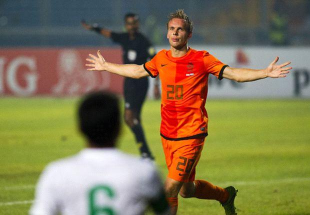 De Jong maakte indruk met twee doelpunten tegen Indonesië