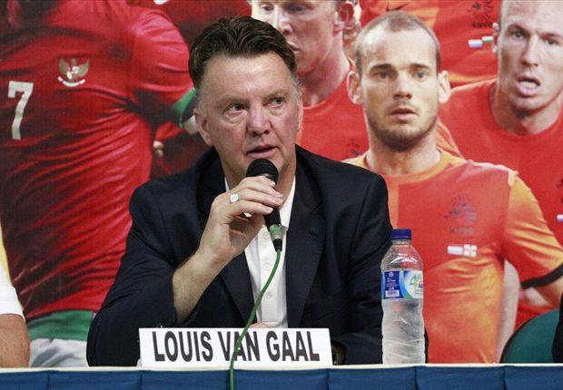 Louis van Gaal menilai Estonia bisa memberikan kesulitan bagi tim besutannya