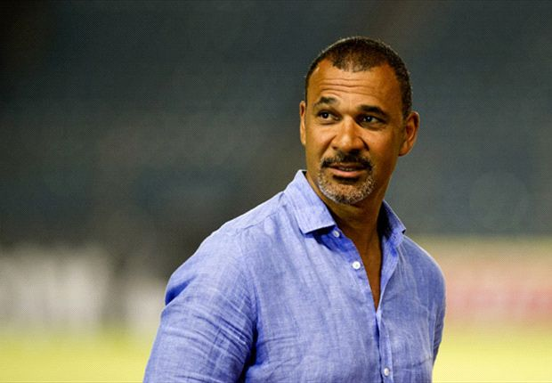 Send your questions to Ruud Gullit's live Twitter chat!