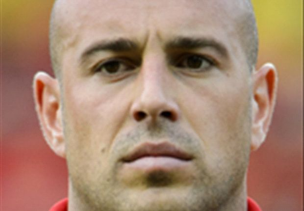 Reina could quit Liverpool if he falls behind Mignolet, says Molby