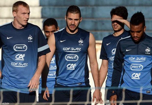 Abidal: Benching Benzema isn't an option