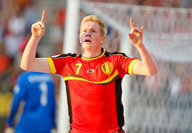 Chelsea midfielder De Bruyne 'wants to join' Dortmund, claims chief