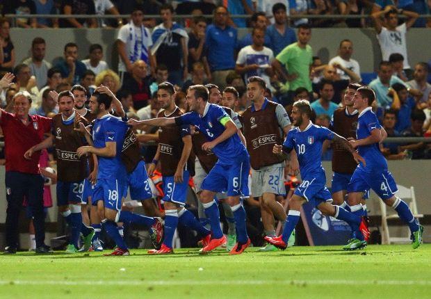 Die italienische U21 bejubelt den Siegtreffer gegen England