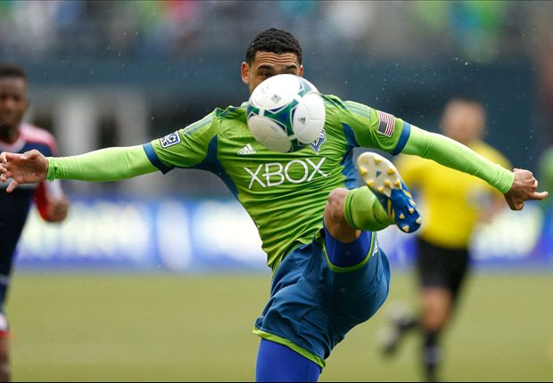 Seattle Sounders FC 2-1 Chivas USA: Neagle goal seals home win