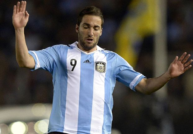 Benitez: Napoli need a player like Higuain