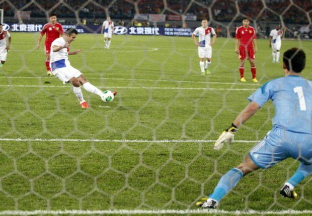 Van Persie scoort zijn 35ste doelpunt voor het Nederlands elftal