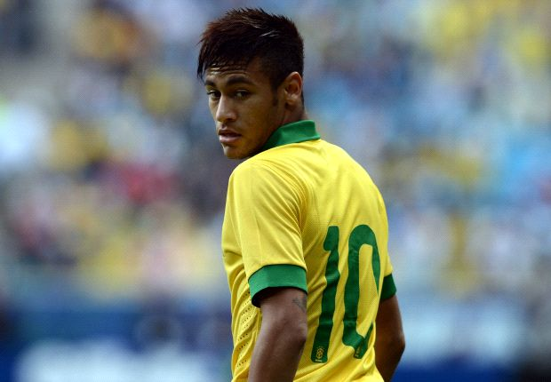Neymar feels he should be considered neither a hero nor villain when playing for Brazil