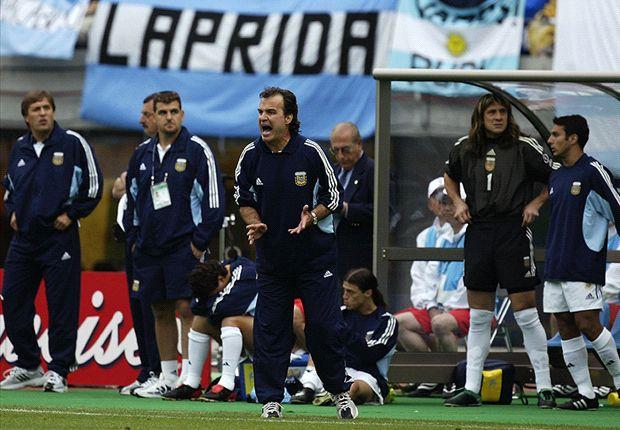 En su obsesión por el detalle, a Bielsa se le escapó uno: los jugadores estaban exhaustos.