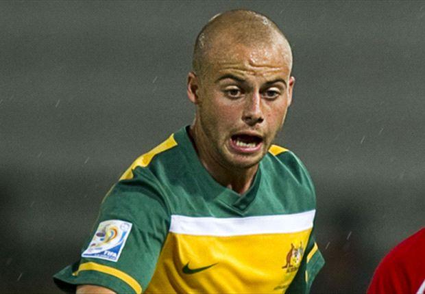 Warren returns home with Sydney FC