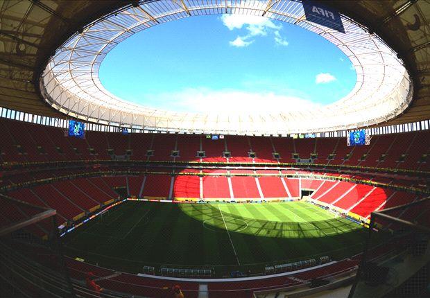 Mané Garrincha murió pobre, pero el estadio más caro lleva su nombre...
