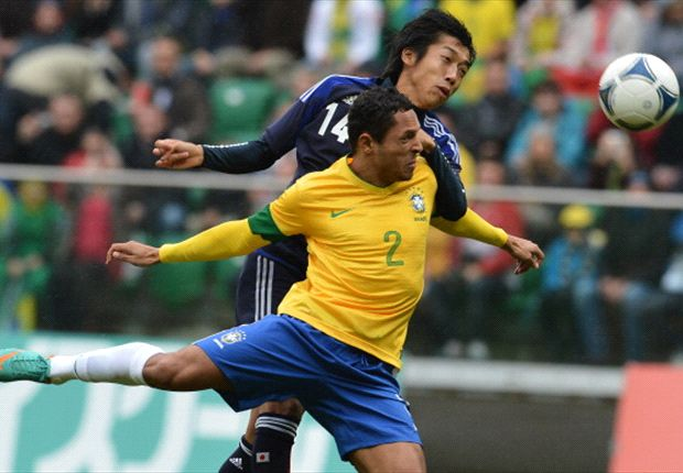 'Brazil fear World Cup stadia scandal' - Adriano