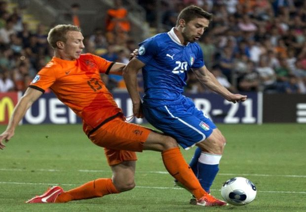 Ajax hoopt Van der Hoorn over te nemen