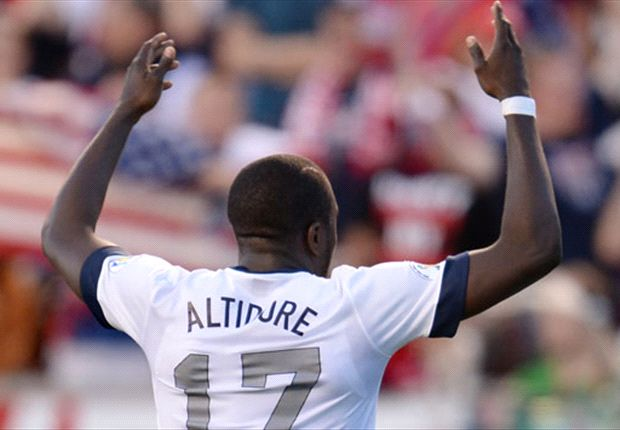 Bosnia-Herzegovina 3-4 United States: Altidore hat-trick clinches Americans' 12th straight win