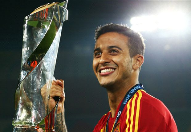 Pique: Barcelona must strive to keep Thiago
