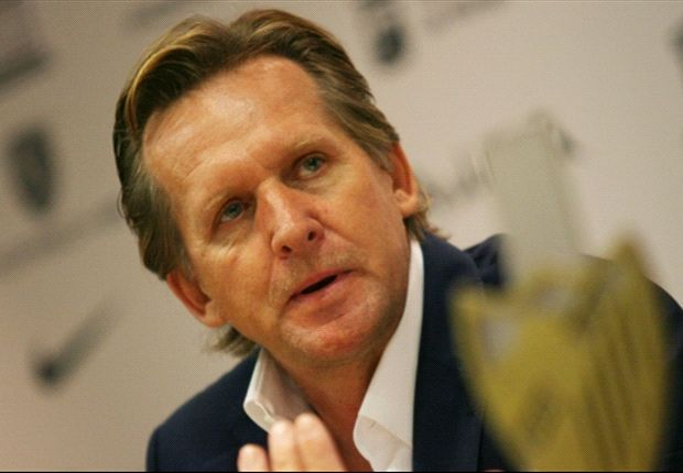 Schuster disappointed by Messi absence