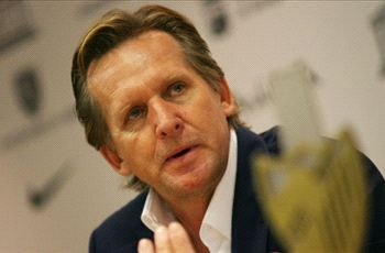 Schuster bemoans Barca & Madrid domination