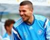 Lukas Podolski bewirbt sich bei Basketball-Klub