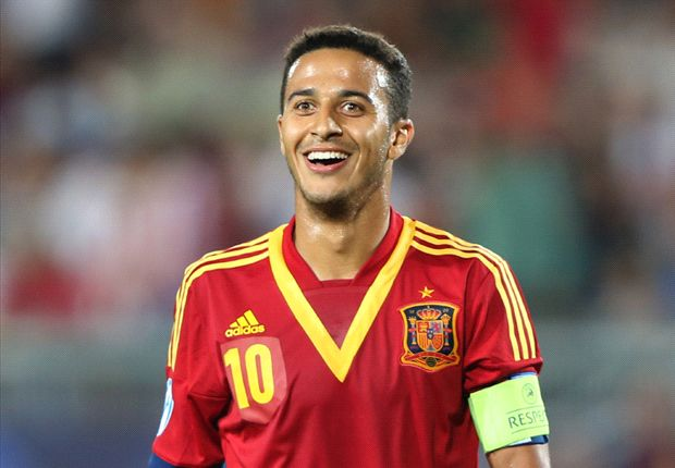 Manchester United offer Thiago Alcantara stunning £6.2m-a-year contract