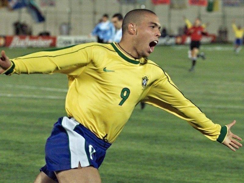 Five classic Brazil-Uruguay clashes