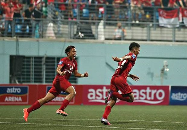 LionsXII centreback Safuwan (right) wheels away after equalising (Photo: FAS)