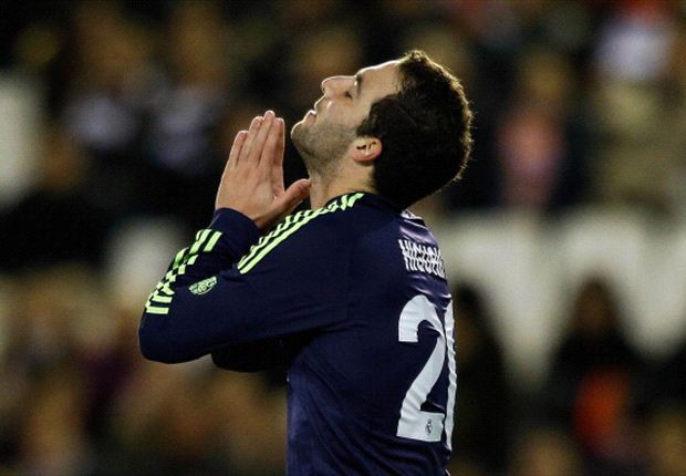 Perez insists Real Madrid wants Higuain to stay