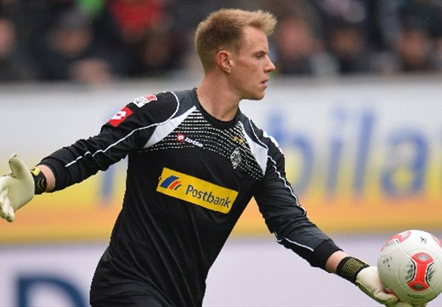 Ter Stegen laughs off Barcelona links