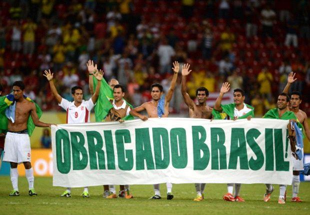 Jugadores de Tahití agradecen a Brasil