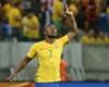Ansioso por retorno, Douglas Costa encara como natural briga por posição na Seleção