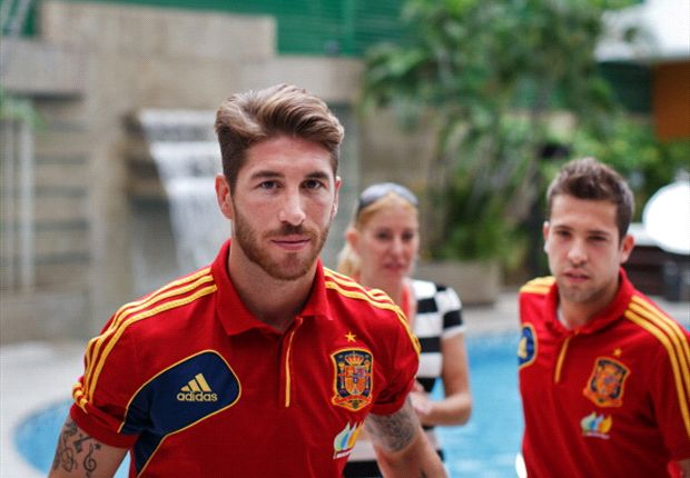 Sergio Ramos, Jordi Alba y Gerard Piqué, candidatos a mejores defensas del año pasado