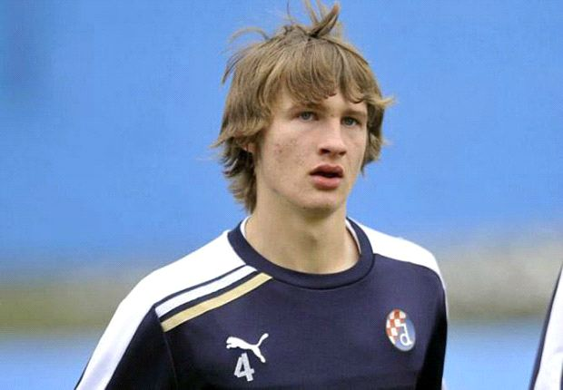 Arsenal & Tottenham interested in Jedvaj, claims agent