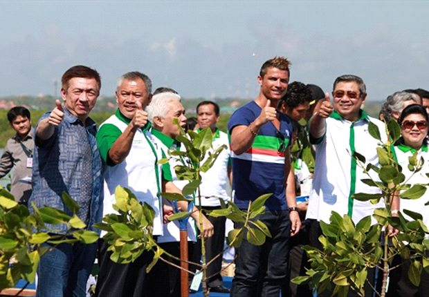 Football superstar Cristiano Ronaldo will help raise awareness about mangroves