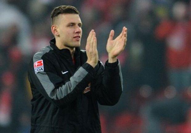 Adam Szalai freut sich auf seinen neuen Arbeitgeber Schalke 04