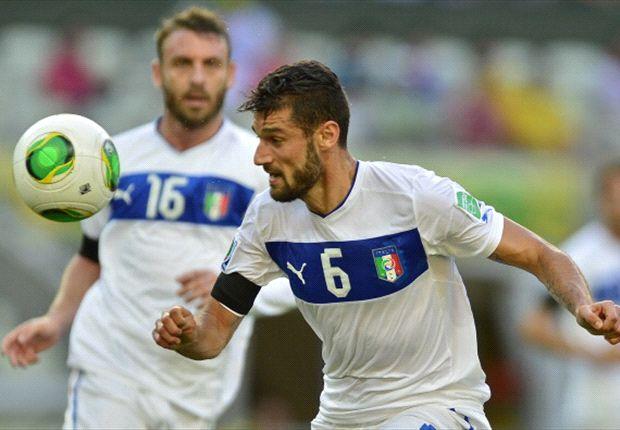 Daniele De Rossi und Antonio Candreva für Italien am Ball