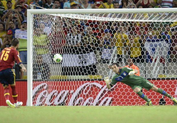Ramos memilih menendang ke sudut kiri atas untuk menaklukkan Buffon