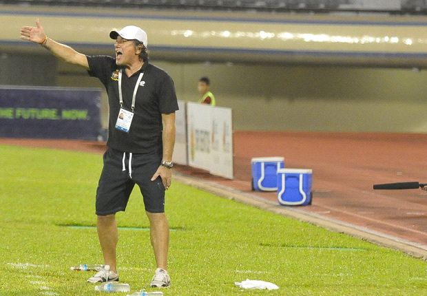 DPMM coach Vjeran Simunic barking out instructions during their loss to Albirex Niigata