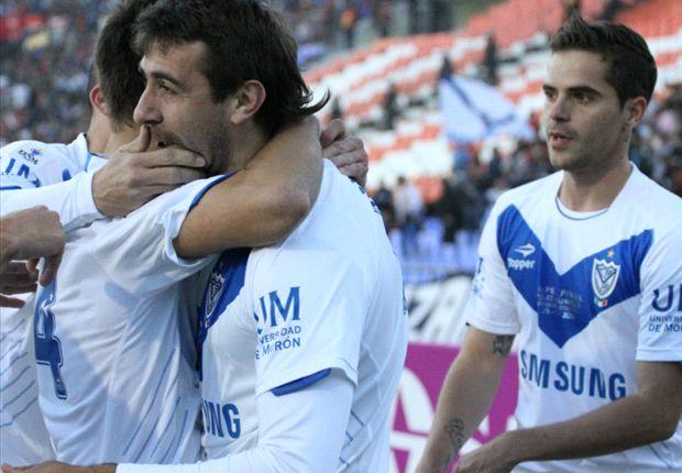 Velez Sarsfield memenangkan Superfinal 2013 untuk merengkuh trofi Liga Primer Argentina